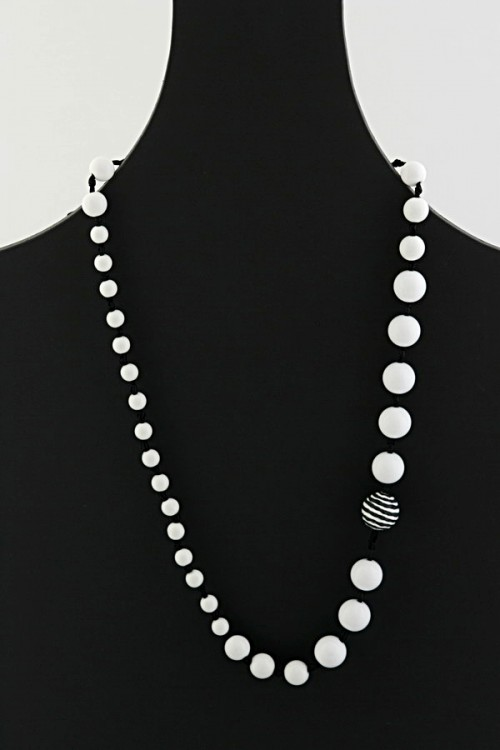 Resin Bead Necklace (N-372)