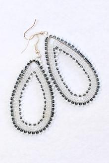 handmade-beaded-earring-african-art-deac13