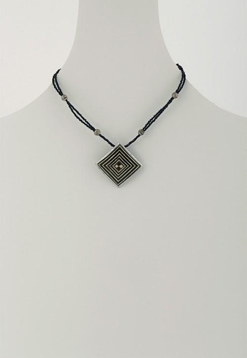 handmade-african-necklace-mambu-dnm1handmade-african-necklace-mambu-dnm1
