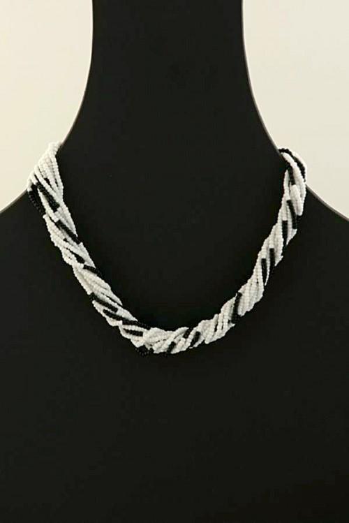 contemporary-handmade-necklace-sulo-dns-34
