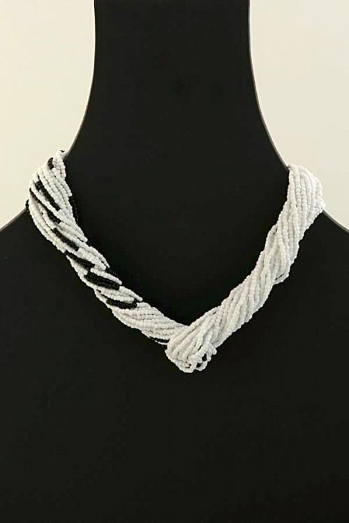 contemporary-handmade-necklace-sulo-dns-35
