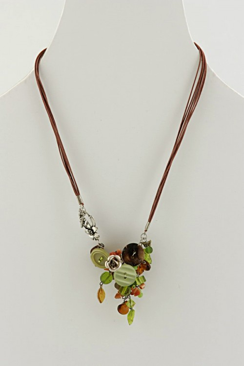 buttons-n-beads-necklace-butterfly-dnf15